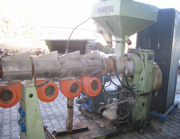 BANDERA Single screw extruder 65-30D